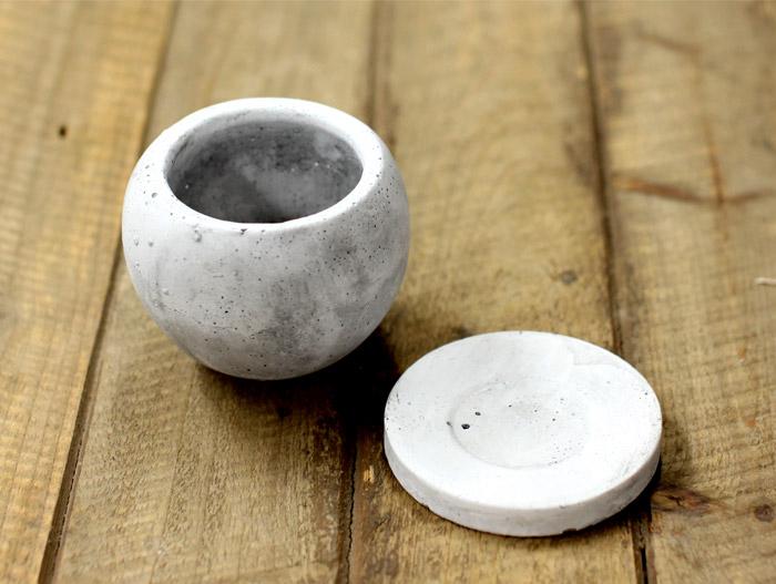 陶器鉢 白