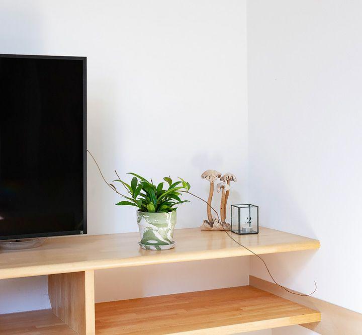 テレビ台の上に飾っている写真